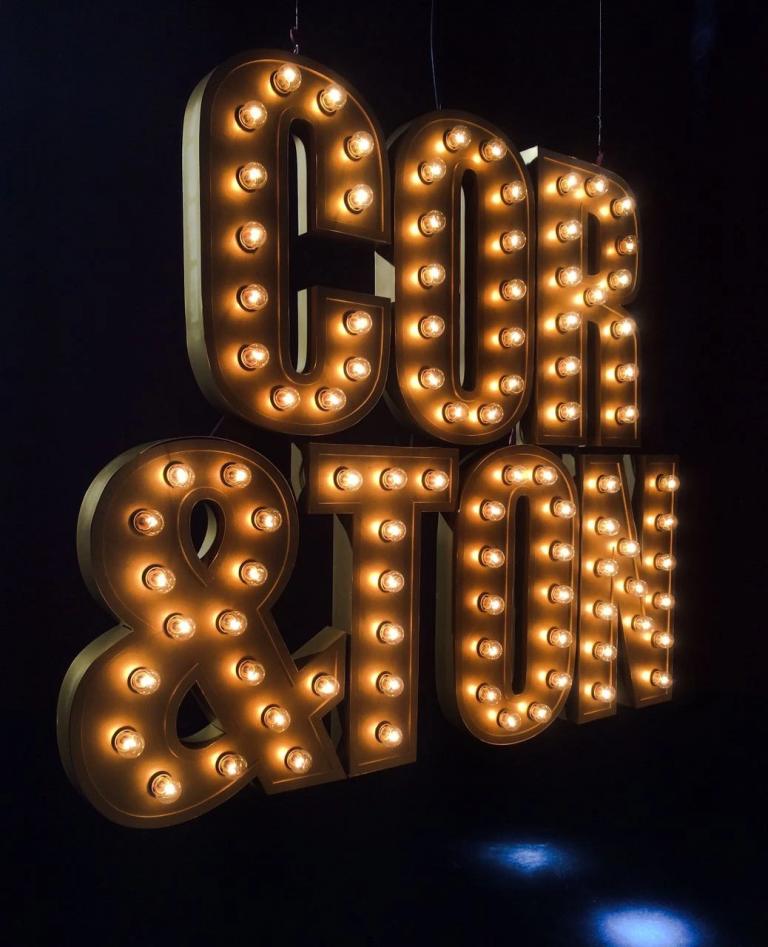 Luminosos 'Old School'